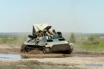 Ukrainian Armed Forces hold large-scale exercises on administrative border with Crimea