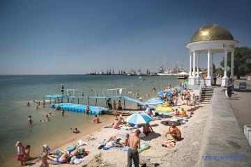 На пляжах Бердянска не рекомендуют купаться из-за инфекции в море