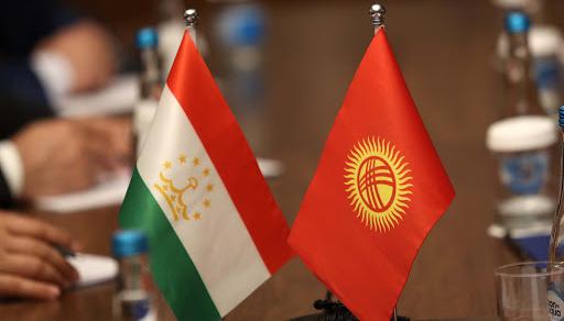 Президенти Киргизстану і Таджикистану домовилися відвести військову техніку від кордону