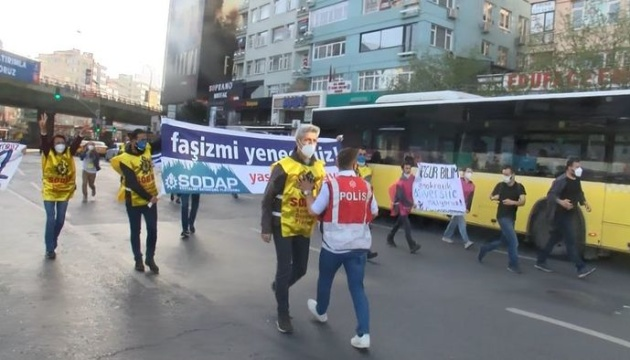 Сотни людей арестовали на первомайских митингах в Турции