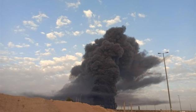 В Ірані загасили масштабну пожежу на нафтопереробному заводі