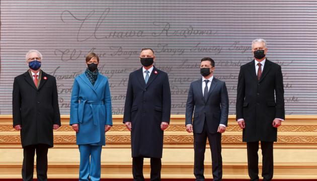 ゼレンシキー大統領、バルト3国大統領とともにポーランド訪問