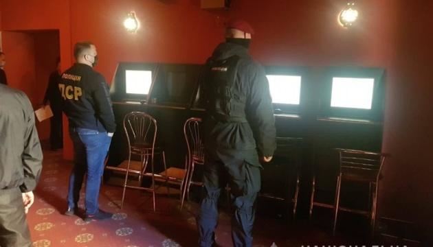У Черкасах викрили нелегальну мережу гральних закладів