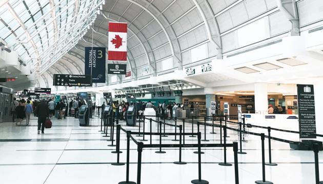 Канада продовжила заборону на пасажирське авіасполучення з Індією та Пакистаном
