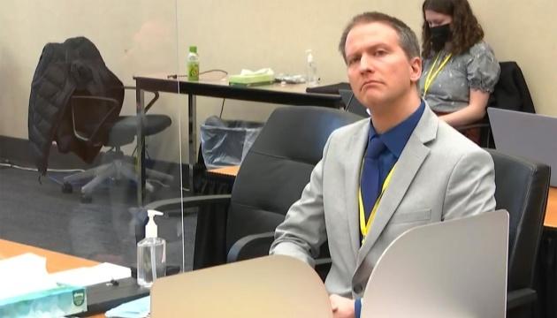 Засуджений за вбивство Джорджа Флойда ексофіцер просить про новий розгляд справи