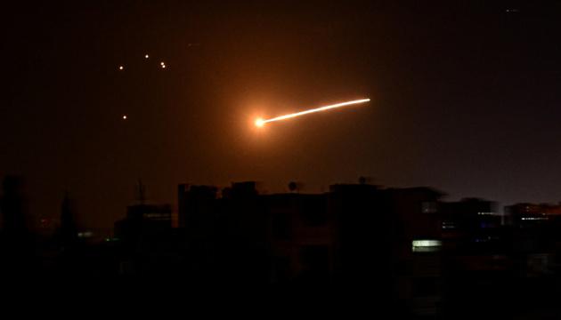 Ізраїль завдав авіаударів по об'єктах у Сирії, є жертви