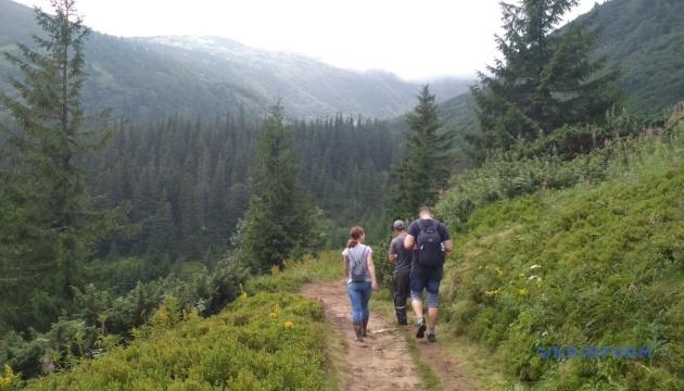 Карпатський нацпарк відкрив усі маршрути, крім сходження на Говерлу і Піп Іван