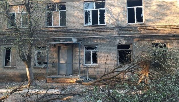 Occupiers shell frontline Krasnohorivka town, damaging a hospital