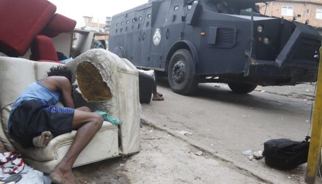 В перестрелке во время полицейской спецоперации в Рио-де-Жанейро погибли 23 человека