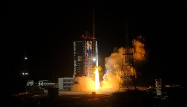 Китай запустив супутники для моніторингу Землі і технічних випробувань