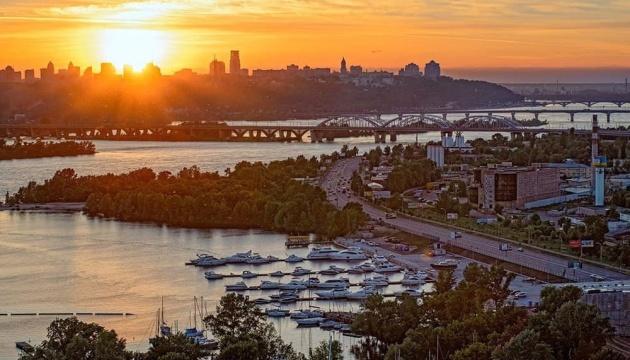 Беседки, зоны для детей и пляж: на Днепровской набережной создадут парк
