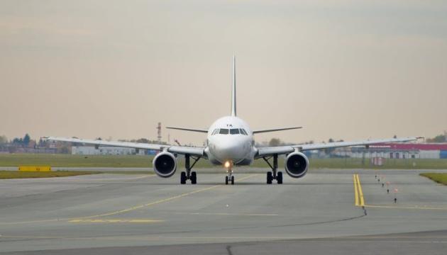 Нову злітно-посадкову смугу Одеського аеропорту відкриють влітку