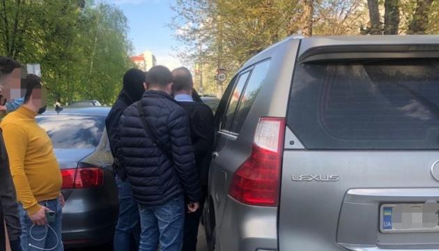 Главу ОТГ на Киевщине подозревают в вымогательстве ₴ 2,6 миллиона