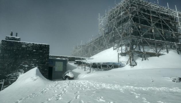 На горі Піп Іван випало до 20 сантиметрів снігу