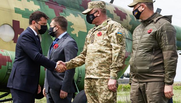 Zelensky llega a la región de Lugansk con los embajadores de los países del G7 y la UE
