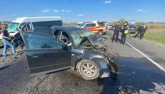 На Рівненщині у ДТП загинули водій та немовля