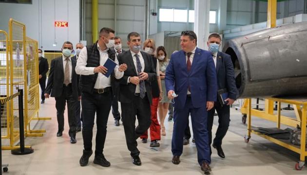 Gusev: Ucrania y Turquía fortalecen la cooperación militar