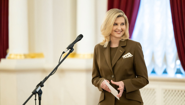 Zelenska: Todos los discursos del presidente se transmitirán con traducción a lengua de signos