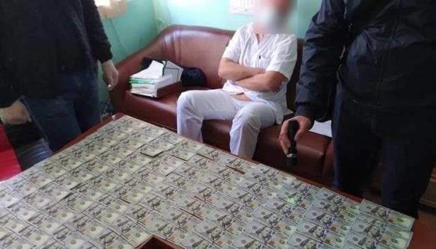 В Одессе задержали кардиохирурга на взятке в $11 тысяч за операцию на сердце