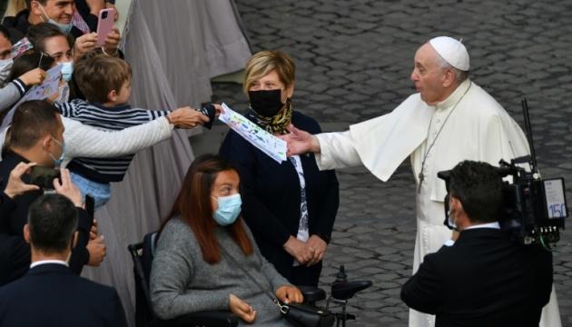 Папа Франциск вперше за пів року провів публічну аудієнцію