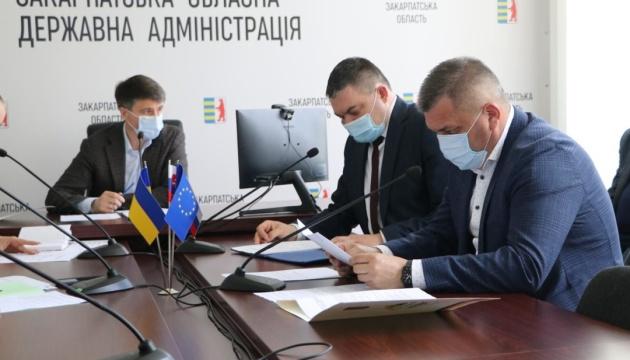 На Закарпатті обирають місце, де в Україну заходитиме європейський автобан