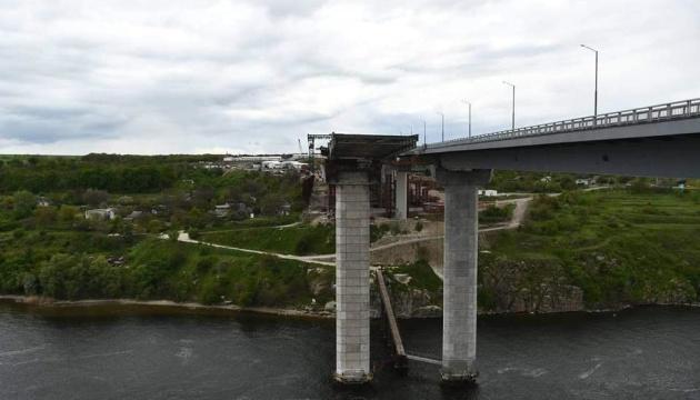 Відкриття руху по вантовому мосту в Запоріжжі відтермінували