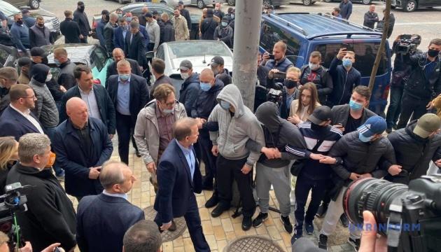 Медведчук пришел в суд для избрания меры пресечения