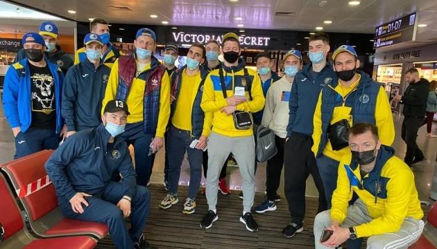 Збірна України з хокею вирушила на міжнародний турнір до Любляни