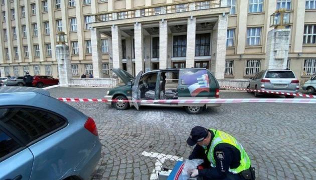 В Ужгороде под ОГА горело авто активиста. Он заявил - это акция протеста