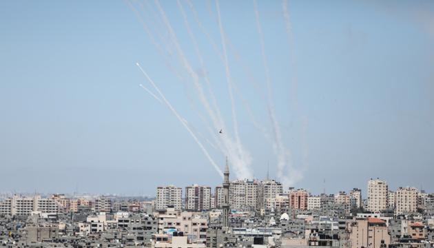 З Сектора Гази по Ізраїлю випустили вже 2 900 ракет