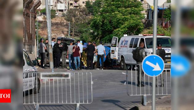 В Єрусалимі автівка в'їхала у натовп