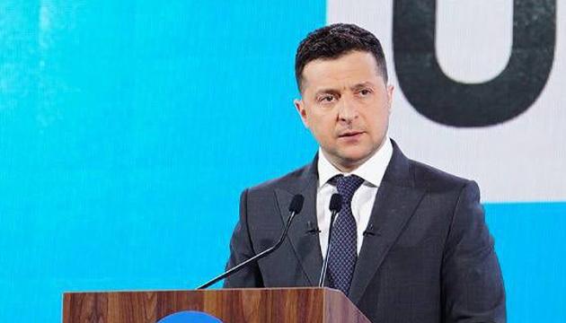 Volodymyr Zelensky : Les services publics ukrainiens doivent être entièrement dématérialisés en août 2021