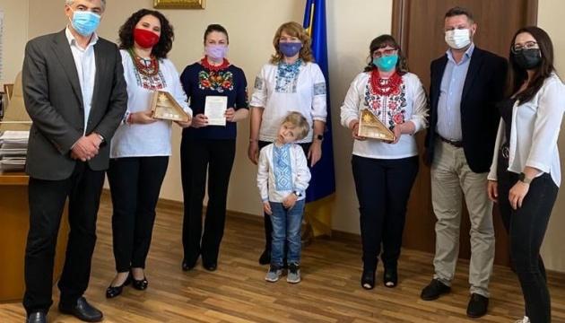 Генконсульство України в Мілані провело зустріч з учасницями групи «Подаруй усмішку_UA»