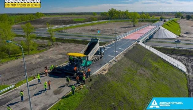 Завершується будівництво мосту через канал Дніпро - Донбас