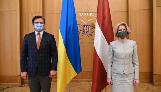 Кулеба привітав створення у парламенті Латвії групи з підтримки Кримської платформи
