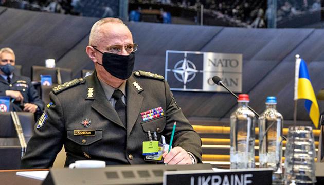 Khomtchak au Comité militaire de l'OTAN : La Russie garde 80 000 soldats près de l'Ukraine