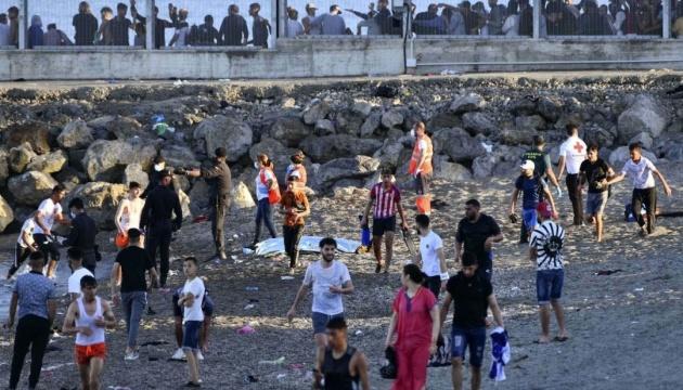 Марокко закриває прикордонний перехід з Іспанією через наплив мігрантів