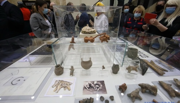 У Харкові відкрили виставку «Археологія як сенс життя» до 100-річчя видатного науковця