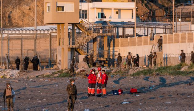 Іспанія завернула назад у Марокко понад шість тисяч мігрантів