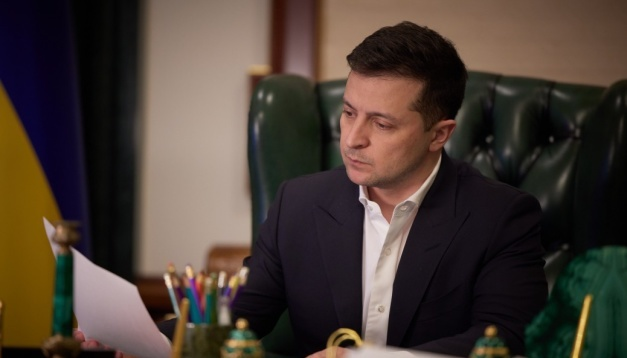 Зеленський заявляє, що Росія затягує зустріч із Путіним