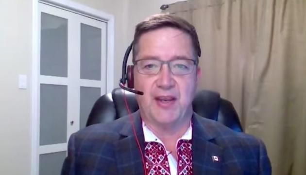 У Канаді розуміють символізм української вишиванки – депутат