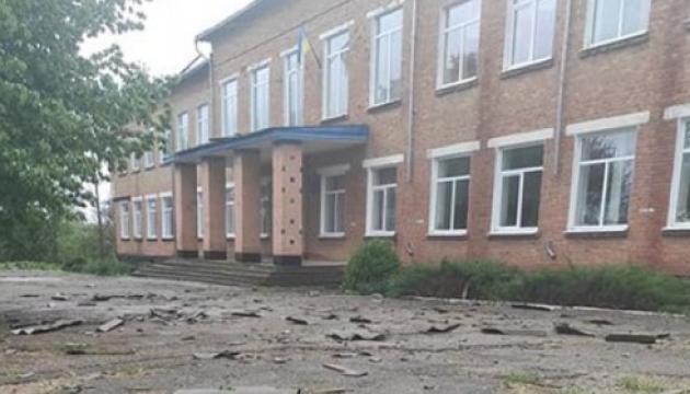 На Кіровоградщині буревій зірвав дах зі школи