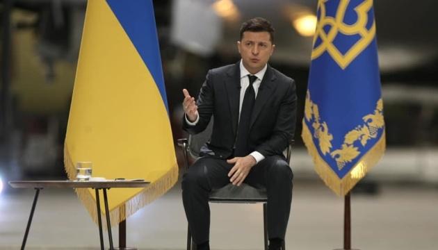 Зеленський каже, що будить міністрів щоранку раніше за їхні iPhone
