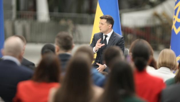 Шмигаль не зміг працювати зі Степановим – Президент