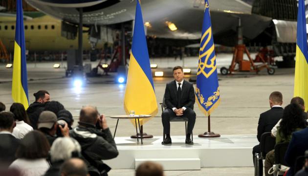 Зеленський пообіцяв, що невдовзі запустять конкурс на посаду директора БЕБ