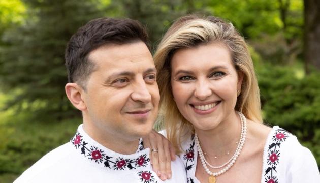 Зеленська опублікувала фото з Президентом у вишиванках