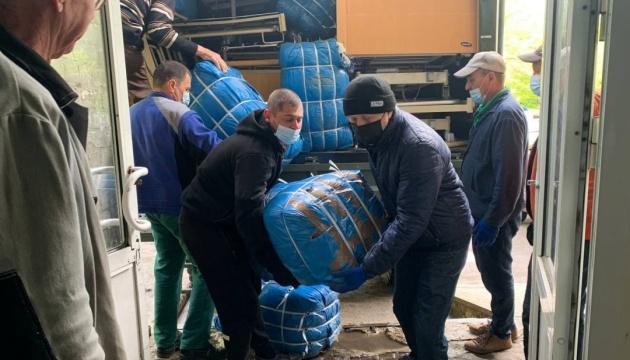 В Авдеевку и Торецк доставили гуманитарный груз от Латвии