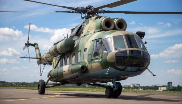 Тяжкопораненого в зоні ООС нацгвардійця доправили гелікоптером з Дніпра до Києва