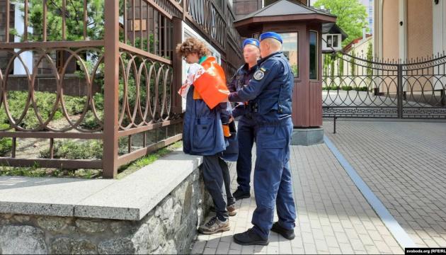 Поліція склала адмінпротокол на затриманого у Києві білоруського активіста