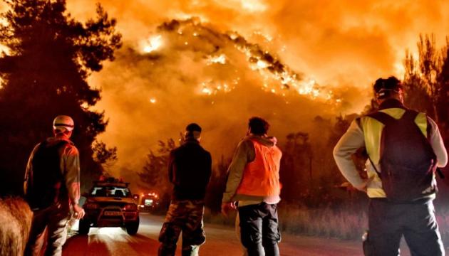 Лісові пожежі у Греції: вигоріли вже 55 квадратних кілометрів
